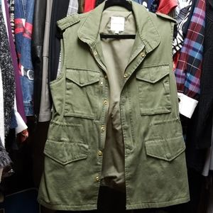 Thread and supply military vest